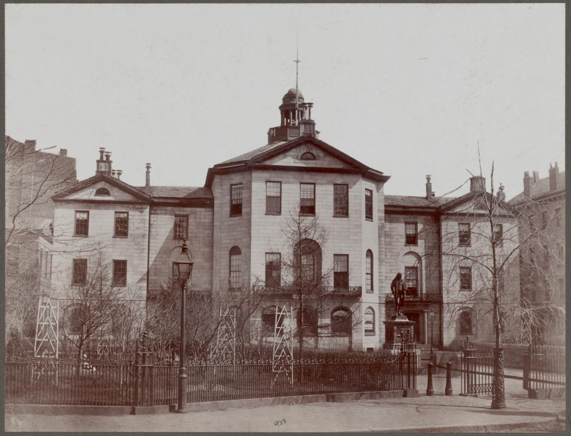Benjamin Franklin Statue outside Old City Hall